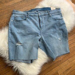 Universal Thread 20w mid rise bermuda shorts